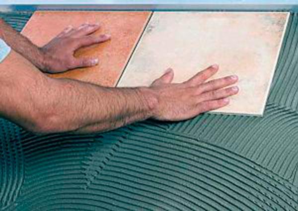 Come calcolare la quantità di adesivo per piastrelle per il bagno