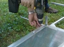 Как закрепить теплицу из поликарбоната к фундаменту